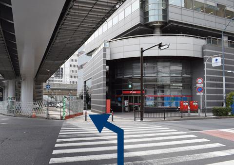 横浜桜木郵便局のところ