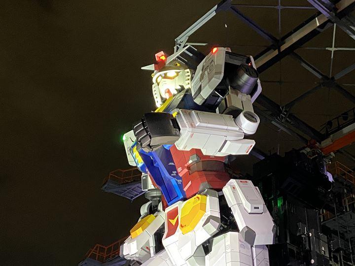 ガンダムファクトリーヨコハマの動くガンダム写真