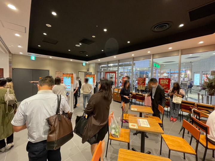 桜木町に誕生した「バーガーキングコレットマーレみなとみらい店」の写真